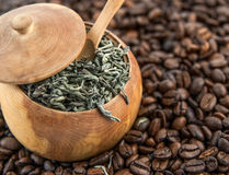 Feijões de Coffe e chá verde Foto de Stock