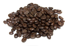Feijões de Coffe isolados no fundo branco Foto de Stock