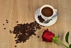 Feijões de Rosa e de café Imagem de Stock
