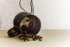 Feijões do copo e do cofee imagens de stock
