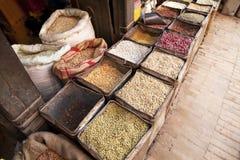 Feijões, grões e especiarias nepaleses fotografia de stock