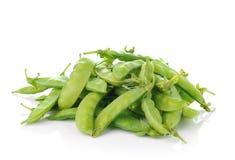 Feijões verdes no fundo branco Fotografia de Stock