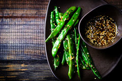 Feijões verdes no molho do asiático do sésamo Fotografia de Stock