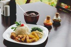 Feijoada, la tradition brésilienne de cuisine image stock