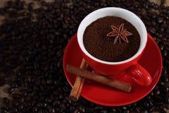Fein gemahlener Kaffee. Stockbild