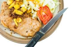Feinschmecker gegrilltes Steak mit Salat Lizenzfreie Stockfotos