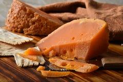 Feinschmecker Mimolette-Käse stockbilder