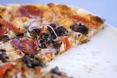 Feinschmeckerische italienische Pizza Stockfotos
