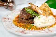 Feinschmeckerische Steak-Mahlzeit Stockbild