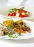 Feinschmeckerischer Zutritt u. Salat stockbild