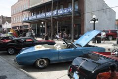 Feira autom?vel cl?ssica americana do vintage na cidade velha da heran?a fotos de stock royalty free