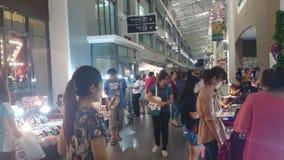Feira de comércio tailandesa pequena, bangpree Tailândia video estoque
