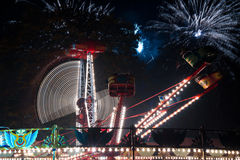 Feira de divertimento na noite Fotos de Stock Royalty Free