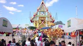 Feira do templo da província de Suphanburi, Tailândia em 2015 vídeos de arquivo