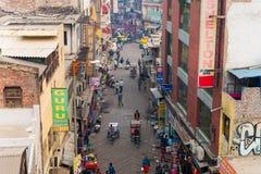 Feira principal Rd do distrito de Paharganj, Deli Imagens de Stock Royalty Free