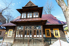 Feito da madeira a construção residencial em Zakopane Foto de Stock Royalty Free