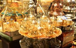 Feito a mão ajustado do goldware feito a mão bonito em Istambul imagem de stock