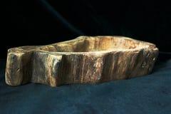 Feito a mão, carpintaria, textura e materiais, pratos e utensílios naturais do agregado familiar da madeira, foto de stock