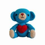 Feito a mão fazer crochê a boneca azul do urso Foto de Stock