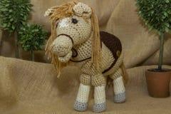 Feito a mão fazer crochê Toy Horse Fotografia de Stock