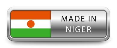 FEITO no crachá metálico de NIGER com a bandeira nacional isolada no fundo branco ilustração do vetor