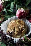 Feito pelo alimento saudável dos doces crus das mãos Fotografia de Stock Royalty Free
