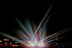 Feixes luminosos no passeio imagens de stock