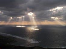 feixes solares fantásticos Imagens de Stock Royalty Free