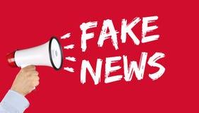 Fejka megafonen för internet för massmedia för nyheternasanningslögnen online- Royaltyfri Foto