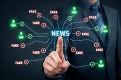 Fejka nyheternabegreppet royaltyfri bild