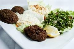 Felafel met Tabbouleh Royalty-vrije Stock Afbeeldingen