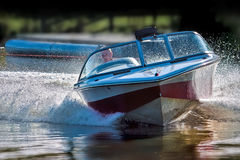 FELBRIDGE, SURREY/UK - MAY 29 : Powerful speedboat at Wiremill L Stock Photos
