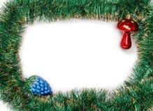 Feld der grünen Weihnachtsgirlande mit Weihnachten spielt Stockfotos
