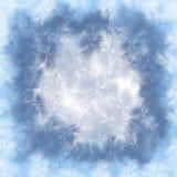 Feld des neuen Jahres vom Hoarfrost mit einem hellen backg Stockbild
