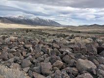Feld des vulkanischen Felsens in der Nordnevada-Wüste Lizenzfreies Stockbild