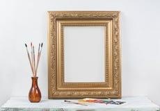 Feld für ein Bild auf einem Holztisch stockfoto