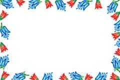 Feld gemacht von den roten blauen Glocken Lizenzfreies Stockfoto