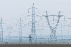 Feld mit elektrischer Energie Lizenzfreies Stockfoto