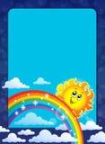 Feld mit glücklicher Sonne Lizenzfreie Stockfotos
