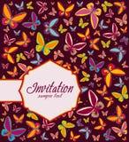Feld mit Hintergrund von Schmetterlingen, Einladung Stockbild