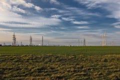 Feld und Industriebauten Lizenzfreie Stockfotos