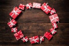 Feld von den Geschenkboxen Lizenzfreie Stockfotos