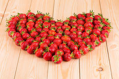 Feld von Erdbeeren Stockfotografie