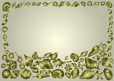 Feld von schönen Seeoberteilen von verschiedenen Formen auf einem goldenen Hintergrund, elegante Einladungskarte stock abbildung