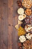Früchte und Nüsse Stockfotos