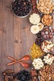 Früchte und Nüsse Lizenzfreie Stockfotos