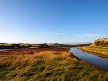 Feld zwischen dem Treffen mit zwei Flüssen Stockbilder