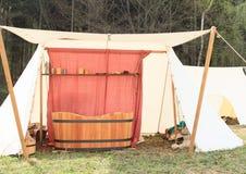 Feldbadekurort im historischen Lager Stockfotos