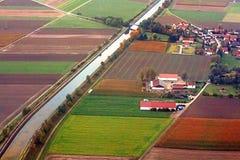 Felder und Landschaft von der Fläche nahe München, Deutschland Stockfotos