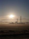 Felder und Stromleitungen 2 stockbilder